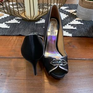 Badgley Mischka black peep toe heels